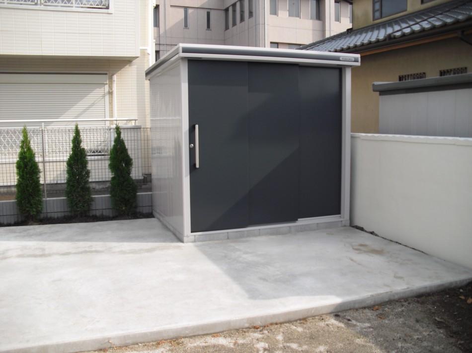 物置ひたちなか市 庭にシンプルな物置を土間コンクリートの上に施工しました。(ヨド物置) ...