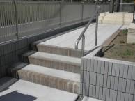 階段のあるアプローチ 水戸市
