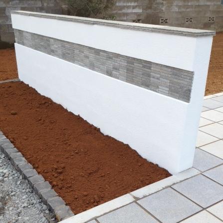 石貼り塗り壁門塀