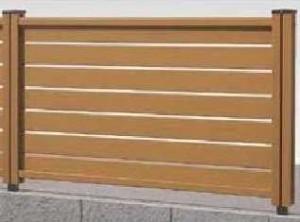 木樹脂フェンス8型横スリット